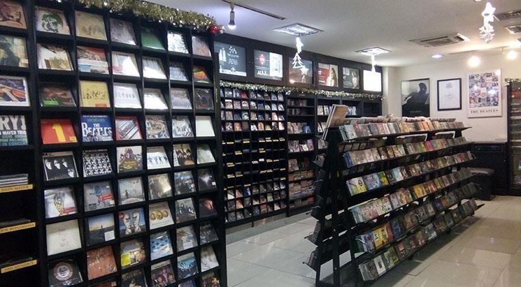 Dampak Musik Online Bagi Para Penjual Kaset CD